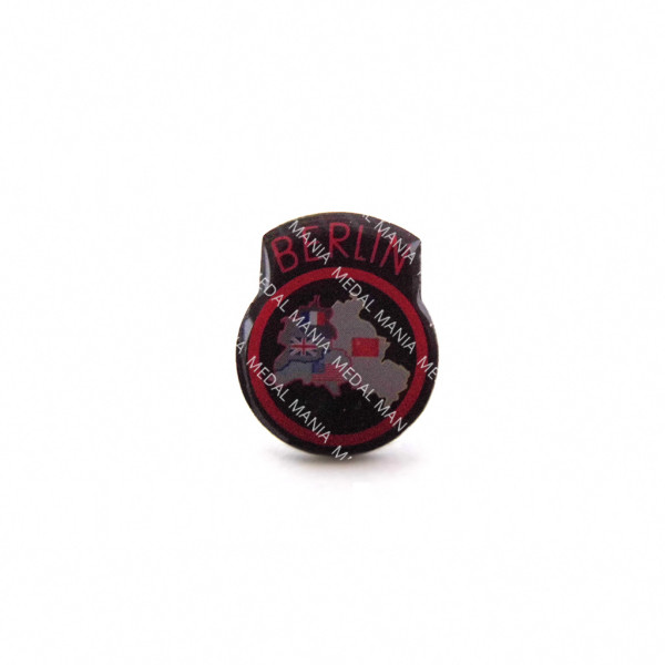 medal-mania-enamel-berlin-infantry-brigade-lapel-badge-front