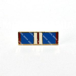 medal-mania-enamel-queen-elizabeth-ii-golden-jubilee-medal-2002-tie-pin