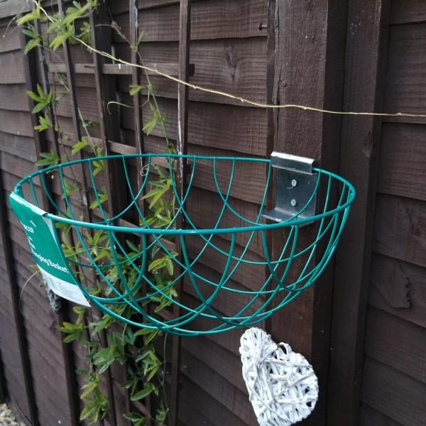 medal-mania-staffordshire-hanging-basket-bracket